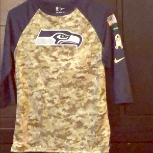 NWT Seattle Seahawks Salute to Service tee